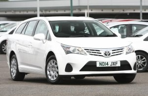 toyota-avensis-estate-d-36bb22a12744